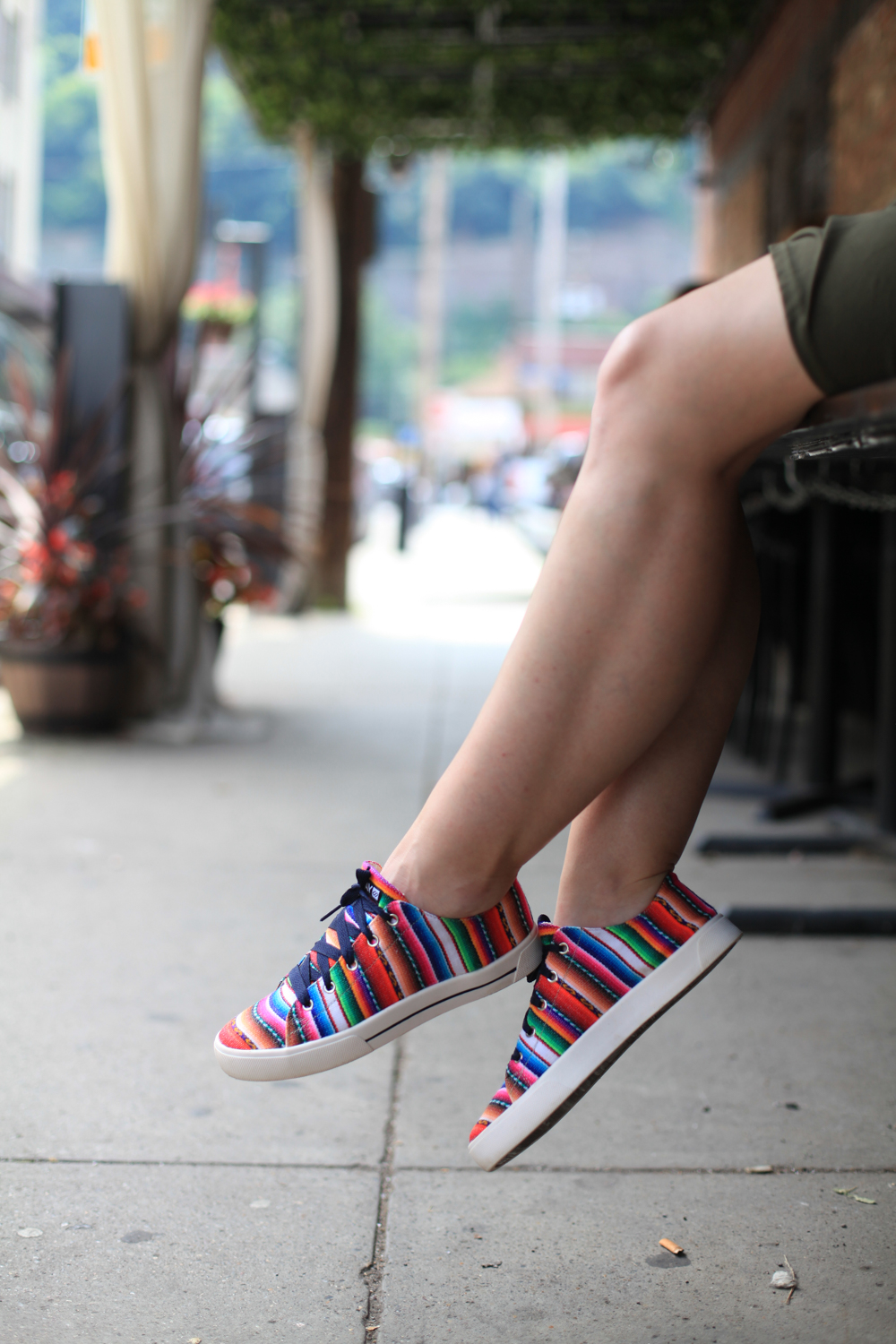 ISKAY handmade shoes are both comfortable and colorful.